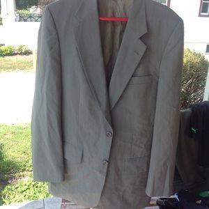 Mens authentic Burberry suit jacket.